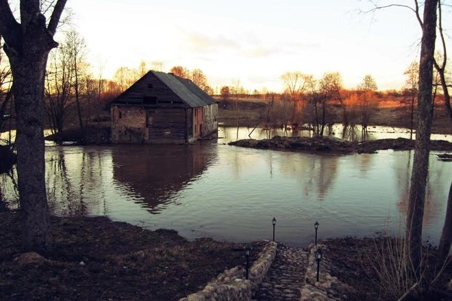 Водяная мельница Черноголовых