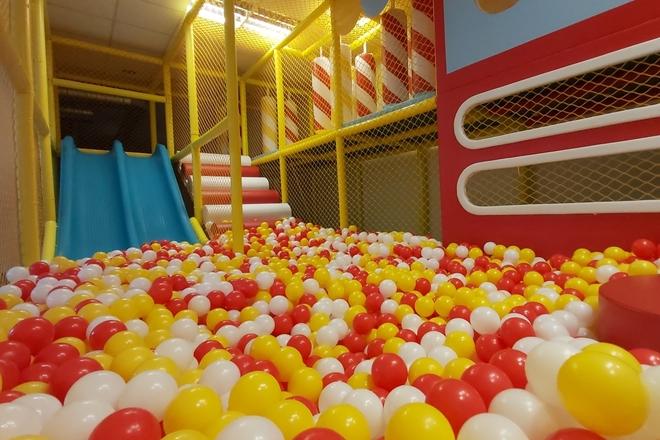 "Play room ""Kids world"""