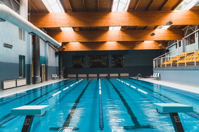 Swimming pool and sauna complex