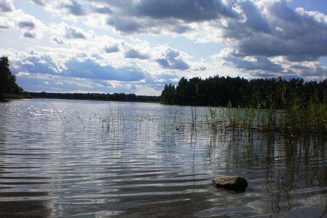 The shore of Lake Ilgis