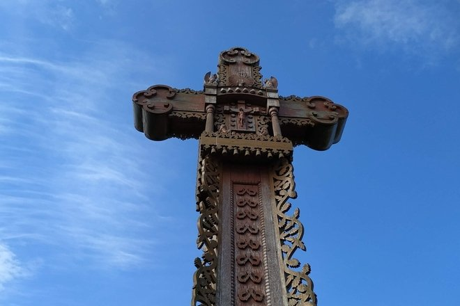 A cross marking the historical demarcation line between Lithuania and Poland