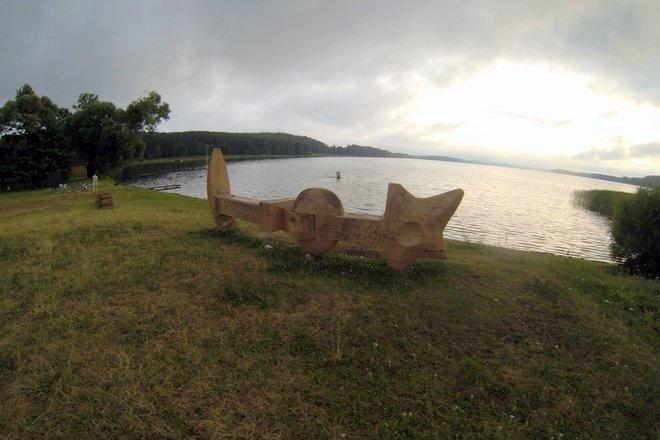 """Sculpture """"Anchor"""" near the beach"""