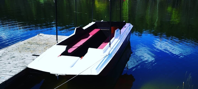 "Ship ""Fox"" rental"
