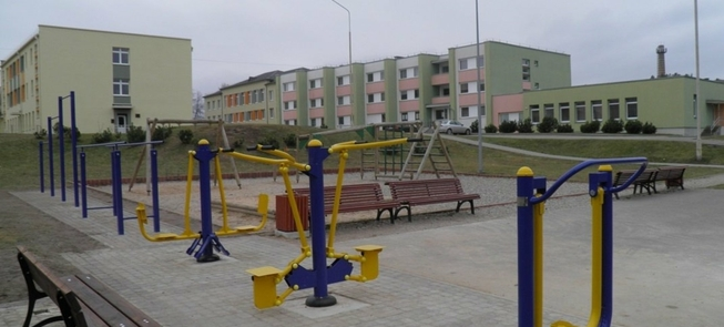 Outdoor exercise machines